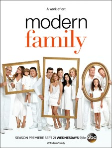 rs_634x845-160823125316-1024-modern-family-s8-exclusive-jb-82316